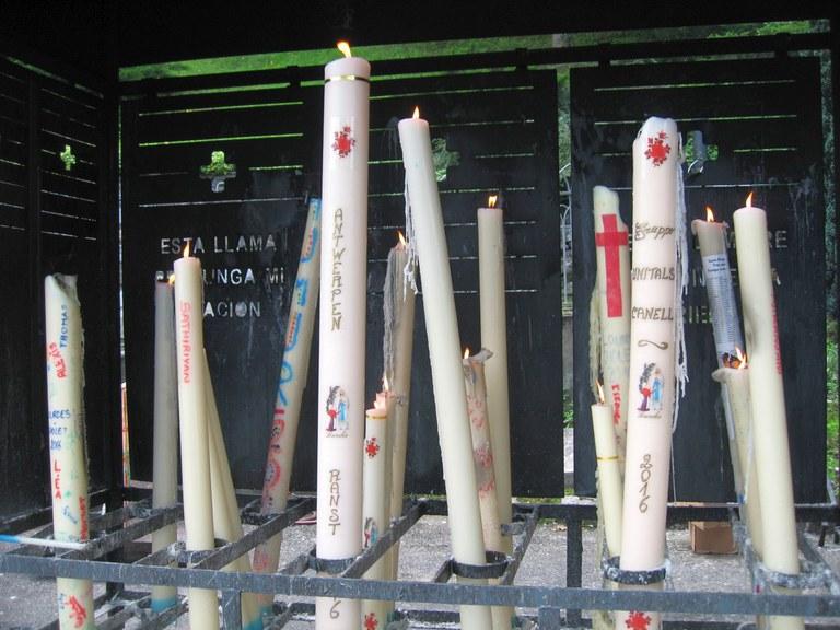 Les cierges aux Sanctuaires de Lourdes